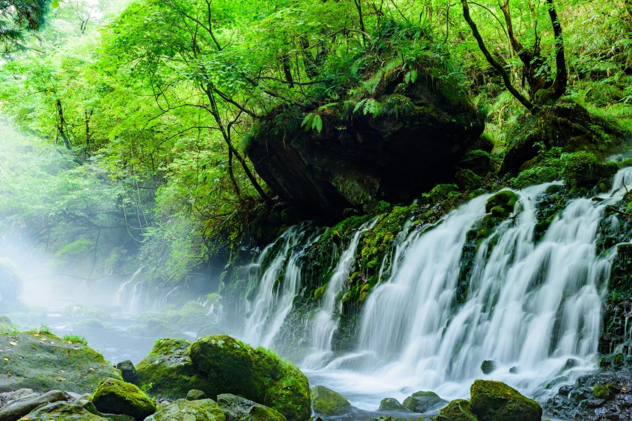 Mototaki Fukuryusui Underflow (Mototaki Waterfall)