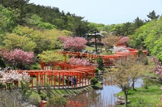 Takayamainari-jinja Shrine