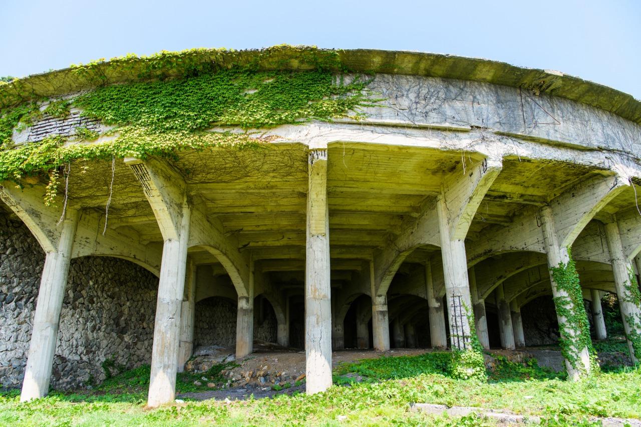 ซากโบราณสถานเหมืองทองสะโดะคินซัง