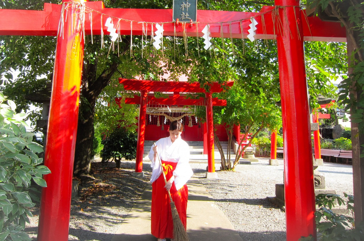 Morning as a Priest/Maiden at Hirota Shrine