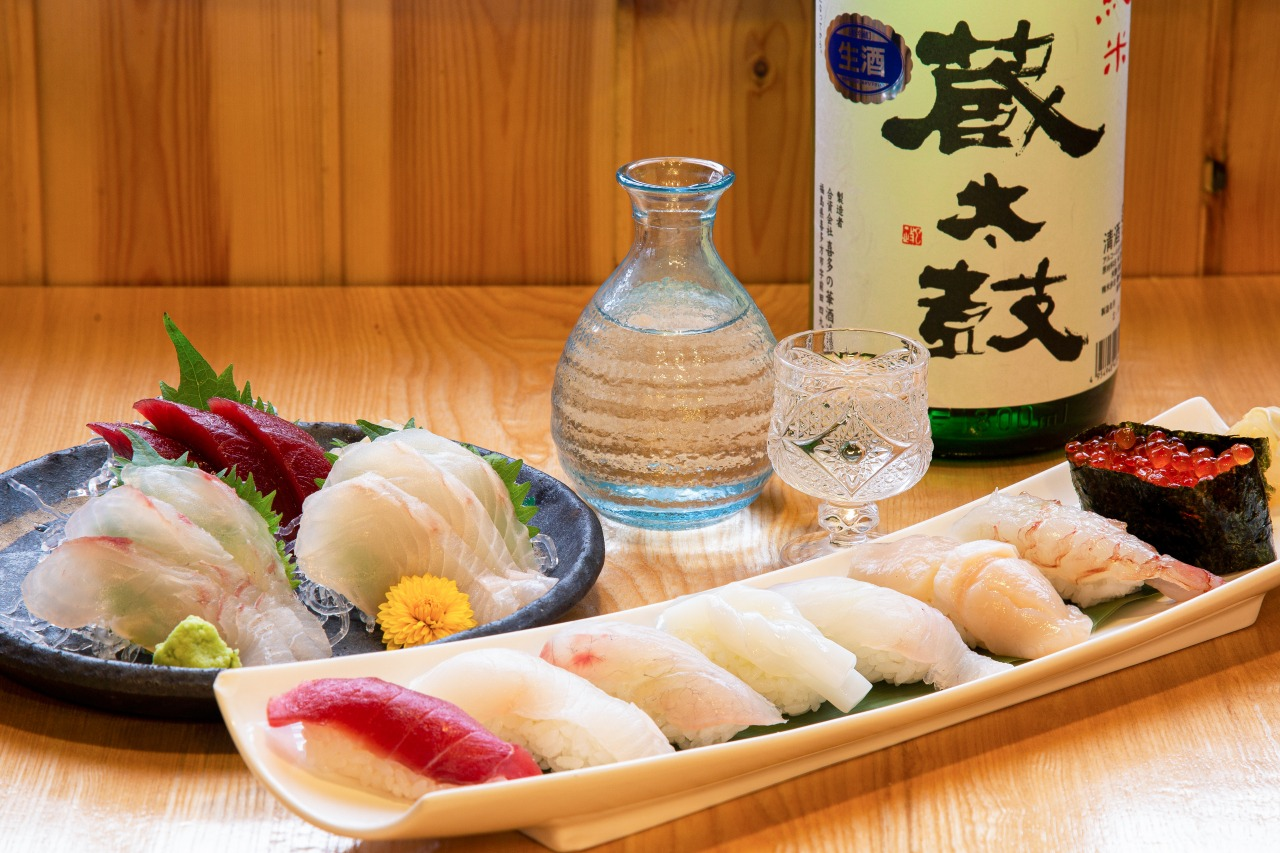 Sushi, sashimi, Japanese sake chef's choice set